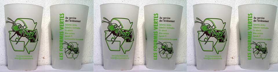 les fourmis vertes les toilettes s ches les gobelets et la vaisselle r utilisables la. Black Bedroom Furniture Sets. Home Design Ideas